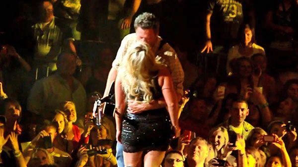Country Music Lyrics - Quotes - Songs Miranda lambert - Miranda Lambert and Blake Shelton - Honey Bee (Onstage Romantic Kiss!) (WATCH) - Youtube Music Videos http://countryrebel.com/blogs/videos/18318339-miranda-lambert-and-blake-shelton-honey-bee-onstage-romantic-kiss-watch