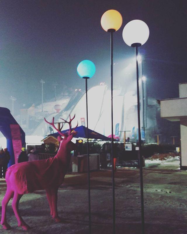 Weekend spędzamy w Szyrku na @snowfestpl - koncerty i zawody narciarskie i snowboardowe w tym roku dzieją się właśnie tu! #snowfest #szczyrkaido #winter #sport #ellesport  via ELLE POLAND MAGAZINE OFFICIAL INSTAGRAM - Fashion Campaigns  Haute Couture  Advertising  Editorial Photography  Magazine Cover Designs  Supermodels  Runway Models