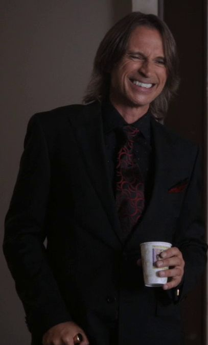 "Awkward ""Once Upon a Time"" Confession: I totally have a crush on Mr. Gold.  Is it weird that I chose him over all the princes? ::squint eye::"