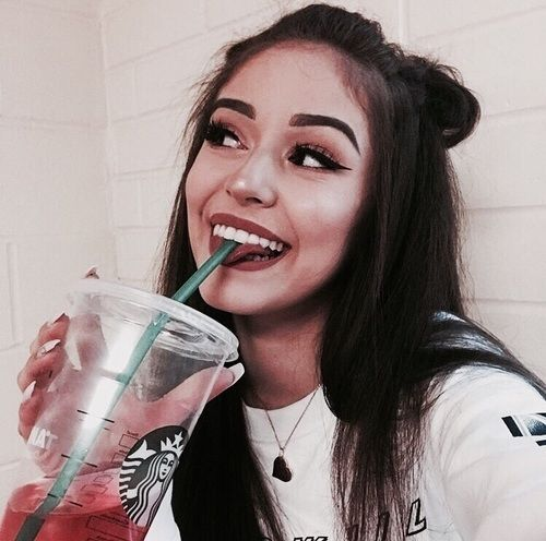Imagem de girl, starbucks, and makeup