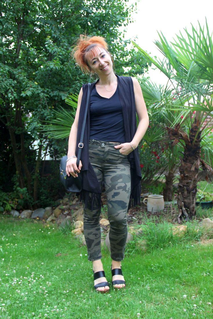 """Adepte du style """"Camouflage"""", @looksbytam est fan de son nouveau pantalon BABOU à seulement 15€ ! ( veste à franges ancienne collection 2016 BABOU également)."""