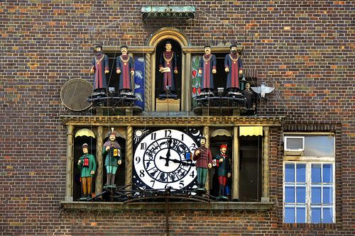 Clock With Figures - Szeged Dom Square in Marosto, Szegedin, Szeged, HU    My photostream on Black  It is the work of Ferenc Csuri,