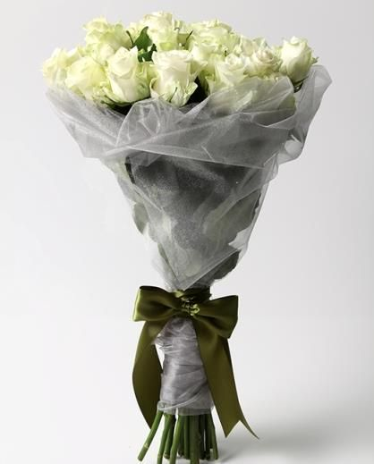 Whiter shade of pale (12 roses) Bespoke Bouquet, Flower delivery service, Johannesburg
