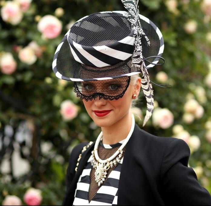 Get ready for the @BelmontStakes with our favorite black and white pieces right here: http://bit.ly/1EVsqw3