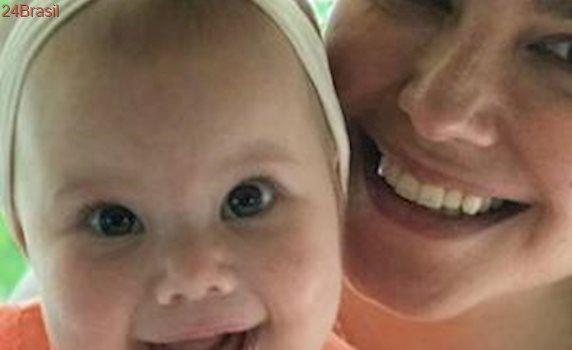 Grávida, Thais Fersoza leva sua filha Melinda para acompanhar ultrassom