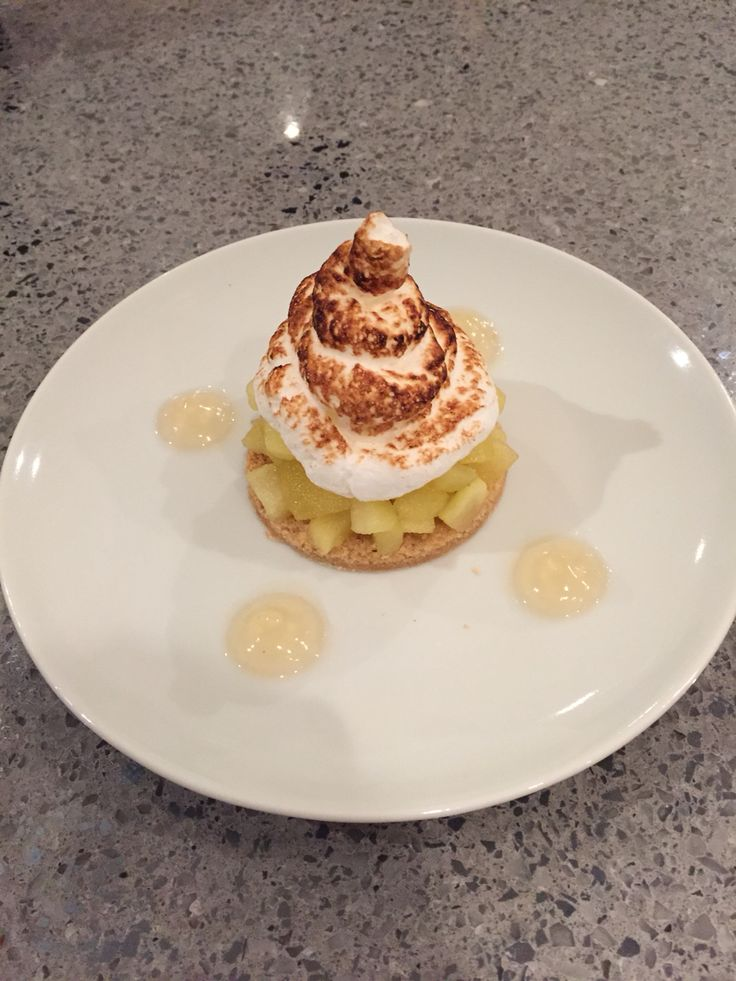 Smoked Apple Meringue Crumble with Apple Gel.  Experiment to see how smoked Apple and meringue tastes.  The answer is good.  Made the gel using agar agar.