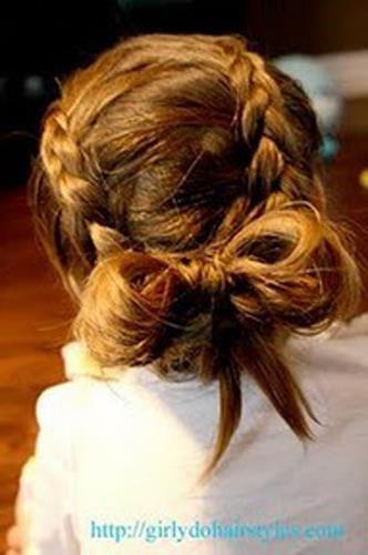 flower girl hair  Omg, can we please?!