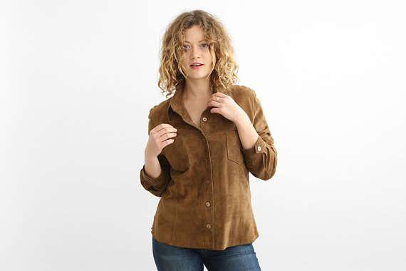 Brown Suede Button Down Shirt, chemise daim, veste en daim / Festival de l'air / de taille petite à moyenne