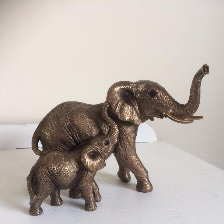 BEAUTIFUL LEONARDO REFLECTIONS BRONZE EFFECT RESIN ELEPHANT AND CALF