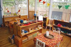A Montessori/Waldorf-Inspired School at Home for Bea & Friends - Oh I love this! Since I can't decide anyways. Wantessori. :)