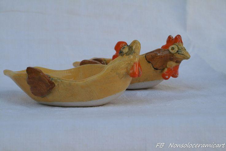 ciotoline a forma di gallina, smalto giallo e arancio | handmade ceramic | ceramic hen bowls, yellow, orange