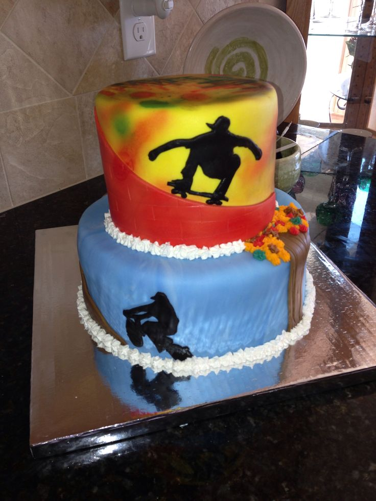 Skateboarding Bmx Grafitti Cake For A 13 Year Olds