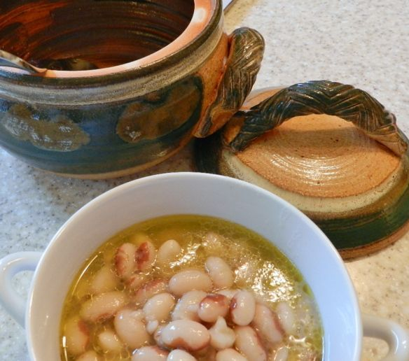 Tuscan style yellow eye beans - recipe from Italy