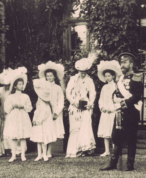 the fall of the romanov dynasty and the russian empire Why did the romanov dynasty the main factors behind the fall of the romanov dynasty hardship faced by the russian working class and.