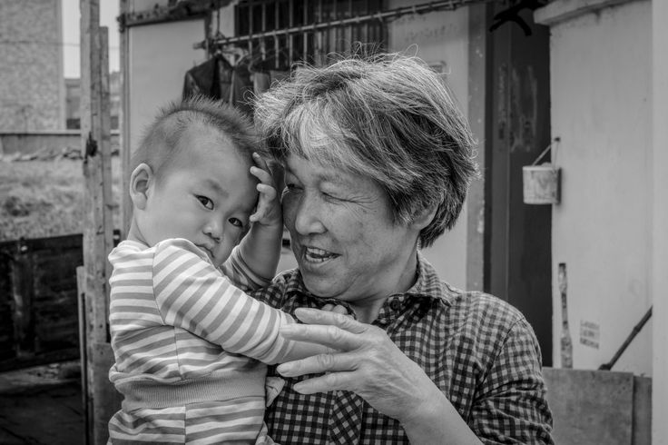 Making friends… the marshes, Shanghai. Monday, 30th May 2016. Photography Wil Graham