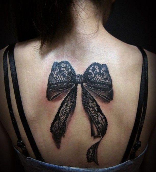 Schleifen Tattoo 3d Rücken Frau