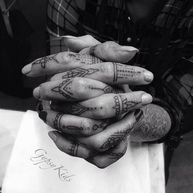 "Freehand finger tattoos!! On my lovely loyal client @loulouheathanderson .. I don't do finger tattoos often but Louise is already heavily tattoo so she got the ""ok"" ❤️ .... #tattoo #fingertattoos @fingertattoos #gypsy #blackworkers #blacktattoo #Tattooer #tattooart #tattooist #tattoolife #tattoolove #tattoofreaks #tattooedgirls #tattooloverzz #tattooworkers #tattooconnectz #tattoomagazine #tattsandinkers #tattooedbodyart #minimaltattoos @minimaltattoos #cutetattoo #bohemian #henna #love #art"