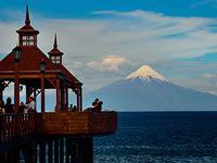 El Lago Llanquihue y el Volcán Osorno desde Frutillar.