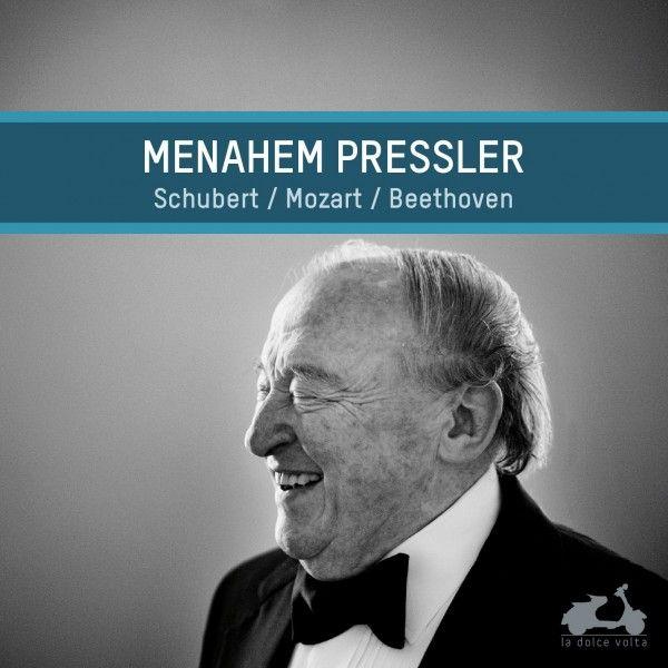 """""""Une soirée viennoise"""" / Menahem Pressler  Menahem Pressler incarne tout le concentré du génie de la Mitteleuropa, comme en témoignent l'élégance et la subtilité de ce disque dédié au trio viennois : Mozart (Rondo en La mineur), Beethoven (Bagatelles) et Schubert (sonate en Sol majeur). Trois portraits, trois histoires, que Menahem Pressler traite avec une noblesse très intime, sous le sceau de la sincérité et de la simplicité. Un disque magnétique. Un jalon pour l'éternité."""