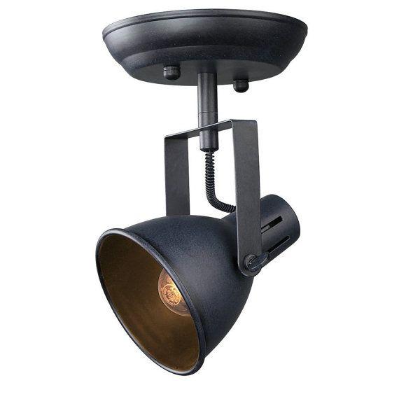 Poids de lordre du jour : 1,5 livres  Dimensions du produit: 9 x 6 x 5,5 pouces  Style : Industriel, Antique  Couleur : noir  Nombre de lames: 1  Matériel : Métal, fer forgé  Finition : peint  Nombre de lumières: 1  Composants inclus : Abat-jour inclus  Puissance maximale en watts Compatible : 60 watts  Tension : 120-220 volts  Direction de la lumière : Downlight  Source dalimentation : cordon électrique  Type dampoule : incandescence, Edison (Vintage-industriel).  DOUILLE : E26/E27 BASE UL…