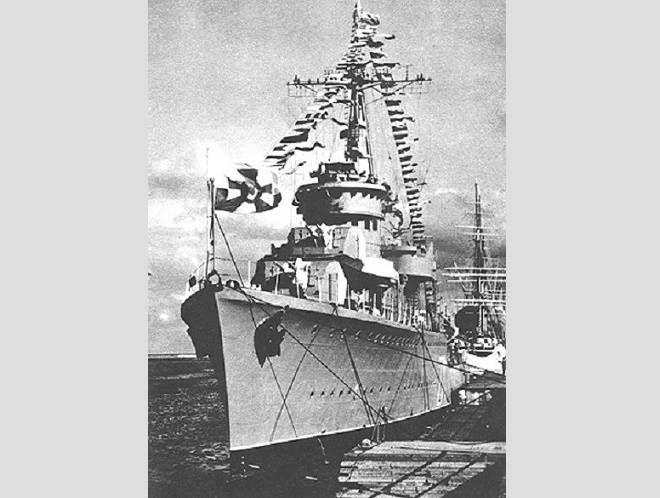 """ORP ,,Błyskawica"""" po powrocie do kraju 4.07.1947r"""