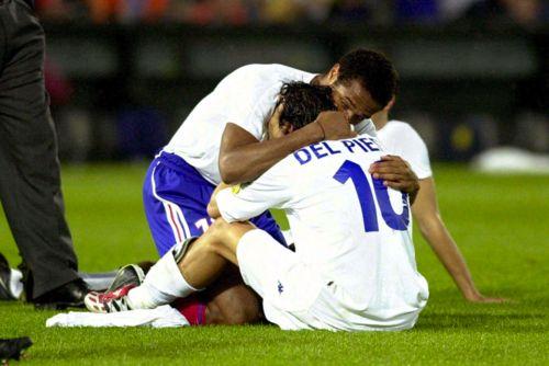 Euro 2000. Final. France vs. Italy.  Thierry Henry + Alessandro del Piero.