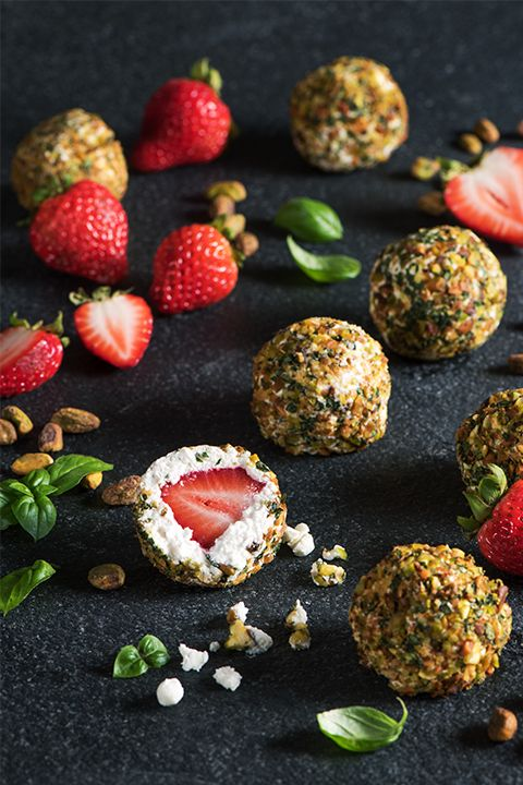 INGREDIENTS BY SAPUTO | Prepare this amazing pistachio, strawberry and Woolwich Goat Cheese balls dessert recipe for your friends and family! They'll be sure to want a second helping of these sweet treats!