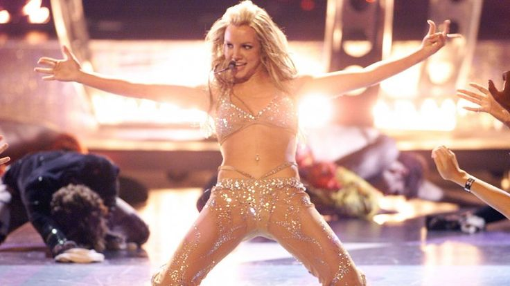 Britney Spears: A Look Back at the Pop Princess's Best Costumes- 2000 MTV VMAs