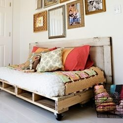 Great bed/seat option for guest room: Guest Room, Ideas, Pallet Beds, Shipping Pallets, Pallets Beds, Pallet Furniture, Pom Pom, Wood Pallets, Old Doors
