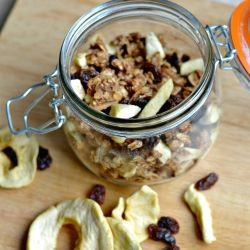 Apple and Cinnamon Granola recipe