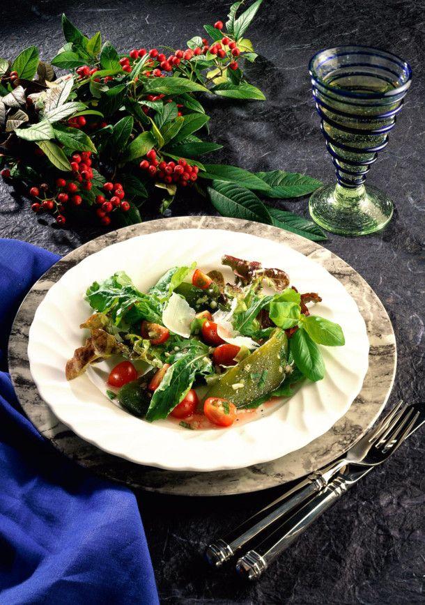 Unser beliebtes Rezept für Grüner Salat mit Paprika und Himbeervinaigrette und mehr als 55.000 weitere kostenlose Rezepte auf LECKER.de.