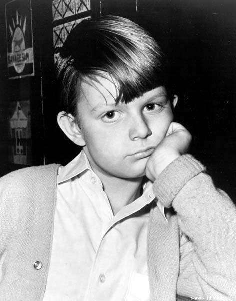 Matthew Garber - The Mary Poppins star died in 1977 at age 21. While on tour in India, Garber contracted hepatitis which spread to his pancreas before he could return to London for treatment. The official cause of death listed on his death certificate is Haemorrhagic Necrotising Pancreatitis.