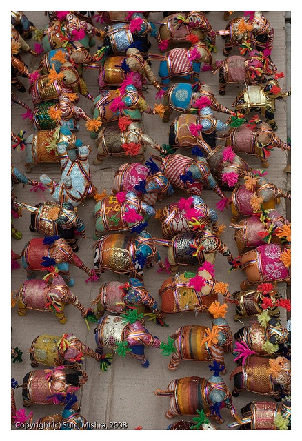 Delhi Haat - colourful elephant miniatures. I want these ... Definitely going there this time