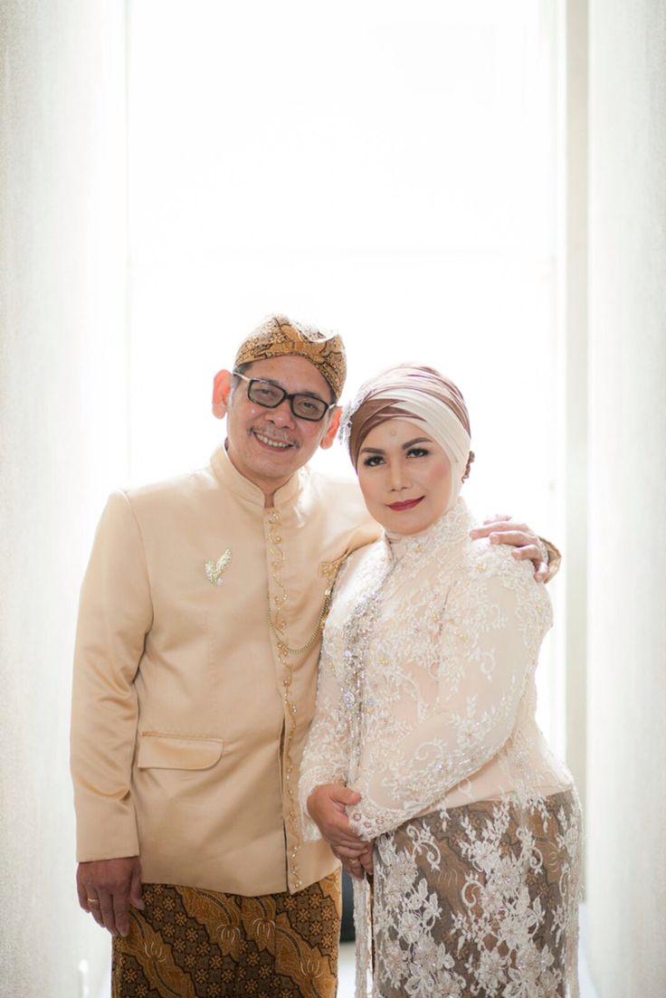 Sundanese Wedding - Bride's Parents Dress by Ayung Berinda