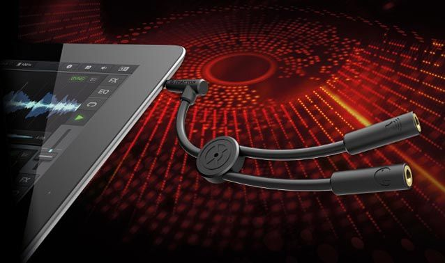 With the rising popularity of DJ apps and having released one of the top DJ apps themselves with TRAKTOR DJ, Native Instruments have now developed a compact audio splitter cable for mobile DJ setups. With this simple solution DJ's can now split audio from the TRAKTOR DJ app virtual decks into two outputs with the TRAKTOR DJ Cable.