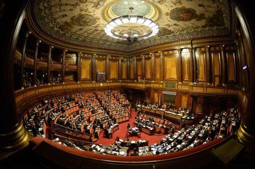"""M5S pronto a battaglia in aula:""""vergognosa contro-riforma Renzi"""" - Yahoo Notizie Italia"""