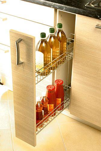 Στην Eliton σκεφτόμαστε με βάση την εργονομία και την πρακτικότητα για να κάνουμε τη ζωή σας πιο εύκολη. Ας πάρουμε για παράδειγμα το συρόμενο βαγονέτο για αποθήκευση μπουκαλιών της κουζίνας SAND: στα ράφια του μπορείτε να βολέψετε το λάδι το ξύδι τις σάλτσες σας και όποιο άλλο μπουκάλι θέλετε  μια λειτουργία που προσφέρει έξυπνη διαχείριση του χώρου!   #Eliton