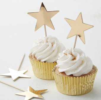 Add a splash of sparkle to your cupcakes with these gorgeous Gold Star Cupcake Toppers. The perfect way to make your cupcakes more glamorous at parties and festive gathering!
