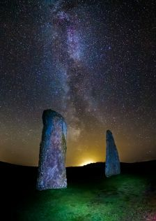 thk: The Ring of Brodgar is a Neolithic henge and stone circle about 6 miles north-east of Stromness on the Mainland, the largest island in Orkney, Scotland. It is part of the UNESCO World Heritage Site known as the Heart of Neolithic Orkney. Wikipedia