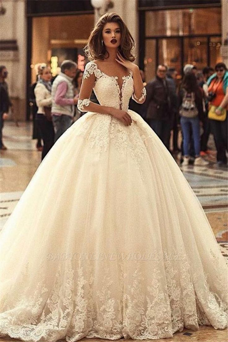 Ball Gown Court Train Appliques Tulle Wedding Dresses with Sleeves