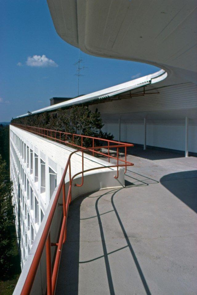 Paimio_Sanatorium_terrace