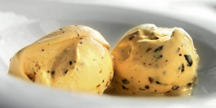 OPPSKRIFT PÅ KROKANIS / Almond brittle ice cream