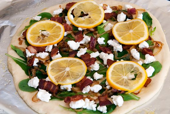 flatbread with lemon, bacon, goat cheese, arugula and caramelized onions