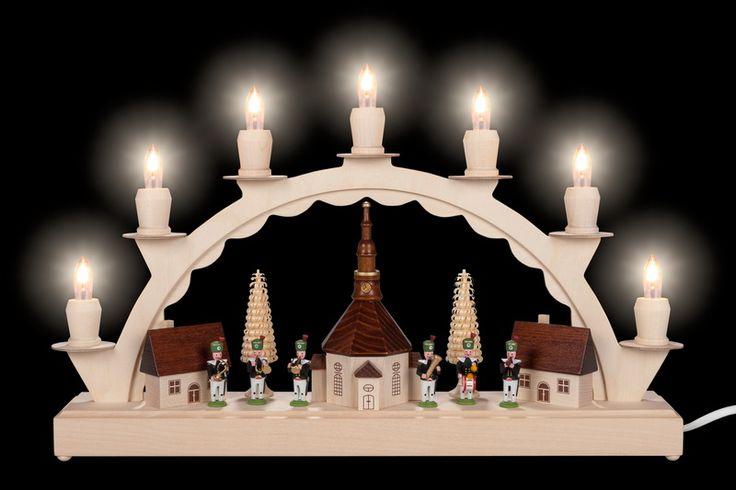 Schwibbogen kleines Dorf mit Bergmannskapelle, 7 Kerzen, elektrisch beleuchtet, LED, Ersatzkerzen: EL55LED, 38 x 24 cm, Nestler-Seiffen.com OHG Seiffen/ Erzgebirge | seiffen.com