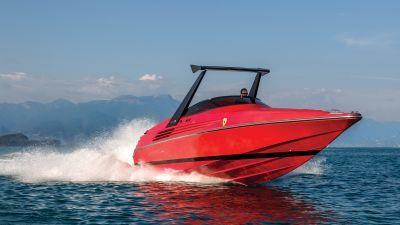 Riva Ferrari 32 by drive.gr