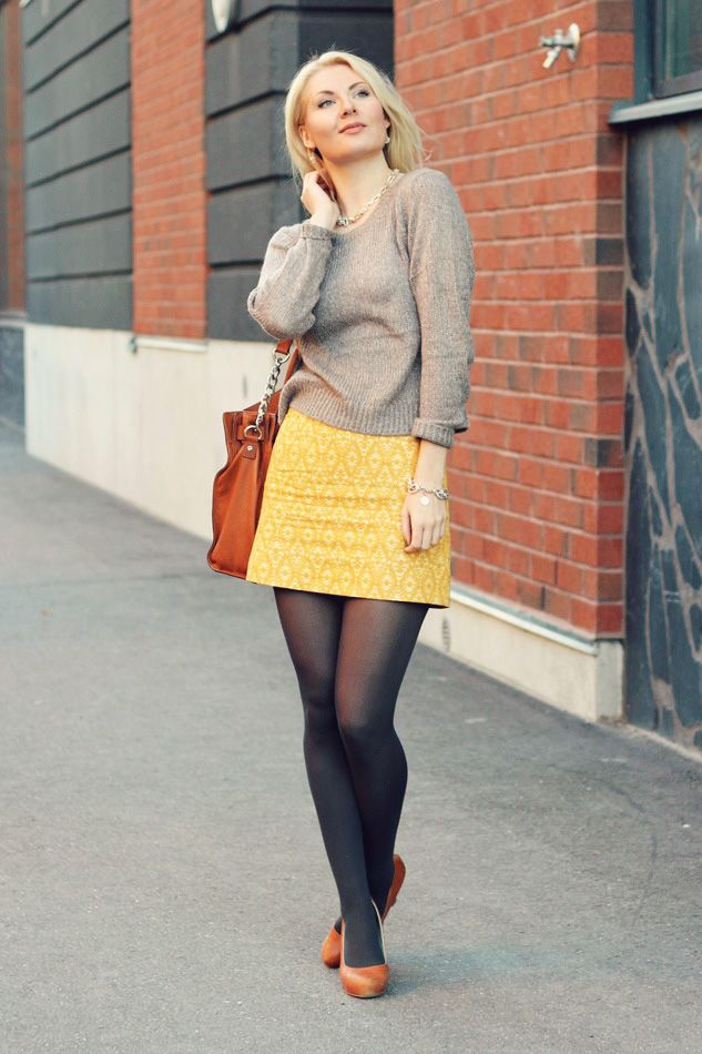 Secret Wardrobe blogger Anna-Maria in beige, yellow and cognac.