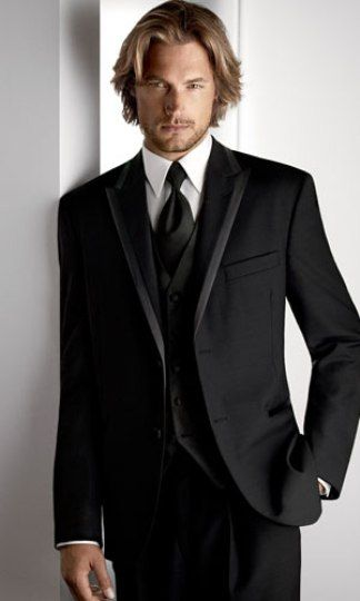 The tuxedos with peaked lapels are great variant for shorter men and  improve the proportion by making the body look taller.