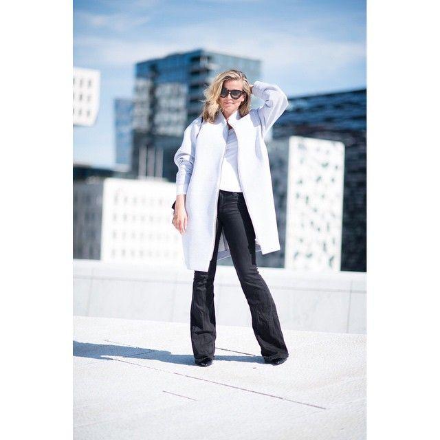 Wearing my favorite Norwegian Brand @arvdesign #todaysoutfit #whatiwear #ootd #arvdesign #framedenim #sapatosbypolliani #celine #bytimo #pollianidotcom #pollianidotcom #love #fashionblogger #fashion  @hippiehippiemilkshake