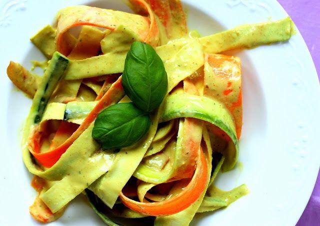 Zeleninové nudle s kokosovo-arašídovou omáčkou | Cooking with Šůša