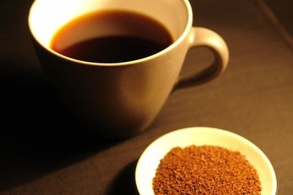 How to Turn Ground Coffee Beans Into Instant Coffee Powder